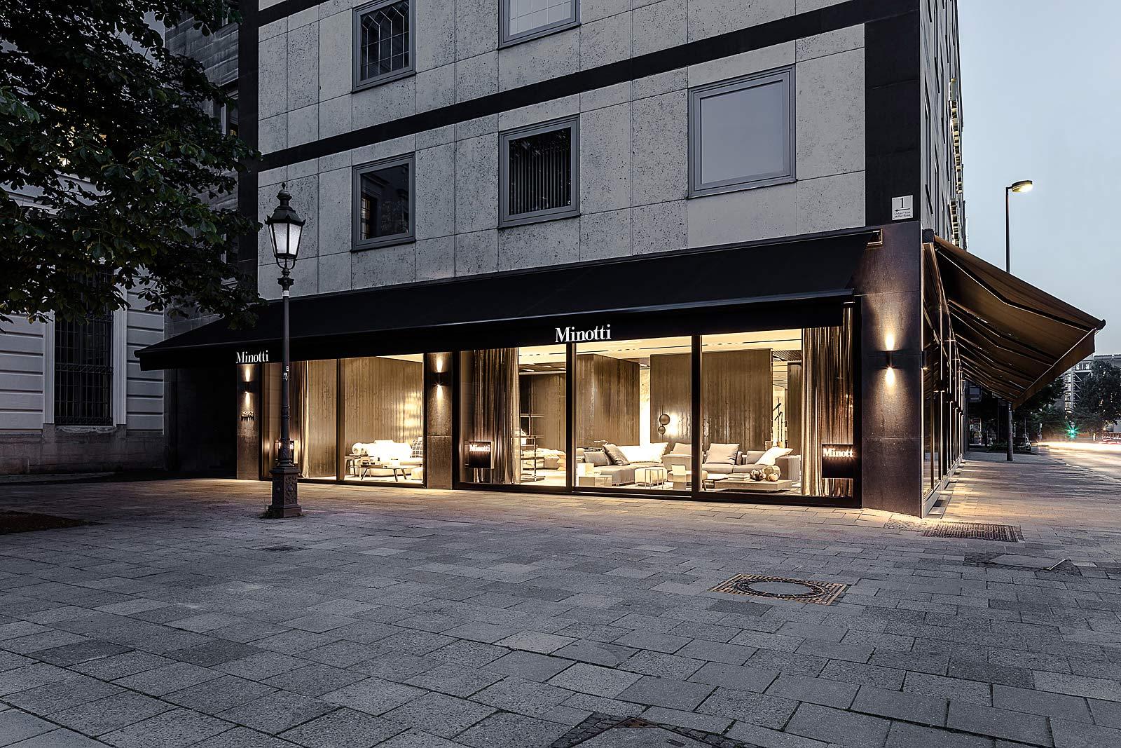 Flagship Store von Minotti, Aussenansicht, Abendaufnahme, München Architektur Fotograf