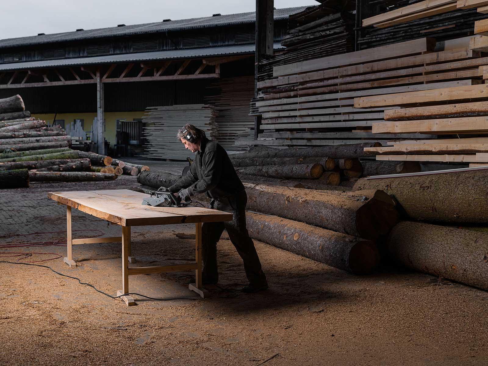 Stefan Knopp fertigt Einzelstücke, Monolith Tisch