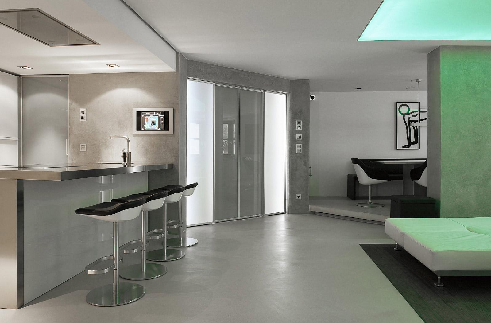 Küche mit beleuchteten Elementen,